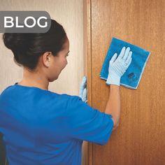 Mai nappal újraindul az oktatás az iskolákban! Az új kialakult helyzet magasabb szintű higiéniai szabályokat követel meg, ehhez szeretnénk segítséget adni.  Az első részben a tantermi felületek tisztán tartására adtunk javaslatokat.  Most a második részben a közös használatú helyiségek tisztán tartásában szeretnénk segíteni kicsit. :)  Olvass bele a cikkbe 👉 Blog, Blogging