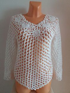 Discover thousands of images about Crochet top patternFlower top crochet patternCrochet vest Pull Crochet, Mode Crochet, Easy Crochet, Crochet Lace, Crochet Vests, Crochet Stitch, Crochet Tops, Crochet Vest Pattern, Crochet Motifs