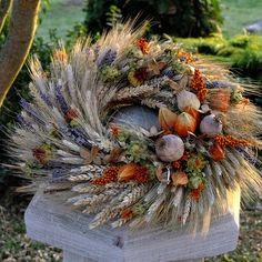 jak vyrobit věnec z obilí - Hledat Googlem Dried Flower Wreaths, Wreaths And Garlands, Door Wreaths, Dried Flowers, Autumn Wreaths, Easter Wreaths, Christmas Wreaths, Deco Floral, Arte Floral
