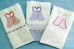 Fraldas bordadas com aplicação em tecidos