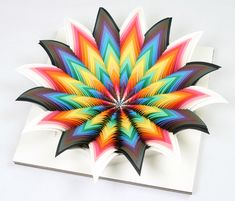 Esculturas de papel 3D de Jen Stark