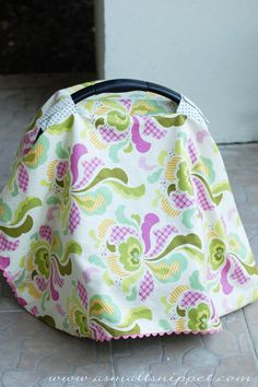 Easy Car Seat Cover Tutorial (A Small Snippet) Sewing Projects For Kids, Sewing For Kids, Sewing Ideas, Sewing Hacks, Craft Projects, Craft Ideas, Car Seat Cover Pattern, Baby Carrier Cover, Baby Cover