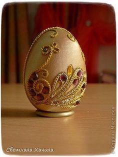 Поделка изделие Пасха Моделирование конструирование Пасхальные яйца Бусины Дерево Клей Сутаж тесьма шнур Ткань фото 1