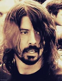 I'm Lauren, I love Foo Fighters and films. Talk to me :) If you love Dave Grohl, You'll love this! Foo Fighters Nirvana, Foo Fighters Dave Grohl, Kurt Cobain, There Goes My Hero, Taylor Hawkins, Music Pics, Most Beautiful Man, My Favorite Music, Music Is Life