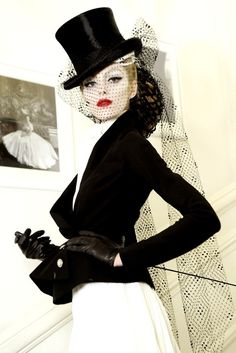 CHRISTIAN DIOR Haute Couture printempt/ete 2012 par John Galliano.