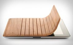 Love this wood cover.. just like a smart cover except its made from a single piece of wood!