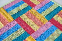 Variety of Bar Designs - Pat Delaney - craftsy class - Don't let the long, narrow areas on your quilt throw you for a loop. Discover innovative methods to fill even the trickiest spaces with gorgeous quilting! Machine Quilting Patterns, Longarm Quilting, Free Motion Quilting, Quilting Projects, Quilt Patterns, Quilting Ideas, Machine Quilting Tutorial, Quilting Stitch Patterns, Hand Quilting Designs