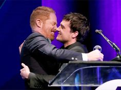 Jesse Tyler Ferguson presented the Young Humanitarian Award to Josh Hutcherson at unite4humanity.