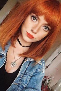 5 Easy Red Bob Hairstyles For Women in 2019 : Have A Look! Medium Hair Cuts, Medium Hair Styles, Short Hair Styles, Hair Color Purple, Green Hair, Choppy Bob Hairstyles, Hairstyles With Bangs, Easy Hairstyles, Red Bob Hair