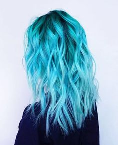 """▷ 1001 + ideas for cool hairstyles on the topic of """"blue ▷ 1001 + Ideen für coole Frisuren zum Thema """"Blaue Haare"""" blue hair, beautiful curls, eye-catching women& hairstyles for brave women, ideas and tips - Pretty Hair Color, Hair Color Blue, Hair Colours, Bright Blue Hair, Colorful Hair, Dyed Hair Blue, Light Blue Hair Dye, Icy Blue Hair, Short Blue Hair"""