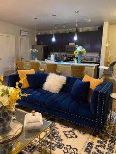 Blue Living Room Decor, Glam Living Room, Home Decor Bedroom, Home And Living, Living Rooms, Home Room Design, Living Room Designs, Apartment Living, Apartment Ideas