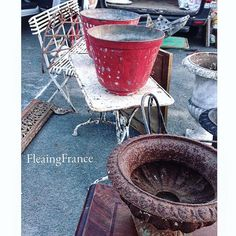 Brocante memories.....love it when I find a photo tucked away in the wrong folder❤️ #fleaingfrance .•. .•. .•. #brocante #antique #fleamarket #france #vintage #shop  #ビンテージ  #フレンチアンティーク  #ブロカント  #フランス  #シャビーシック  #decor  #frenchstyle #french