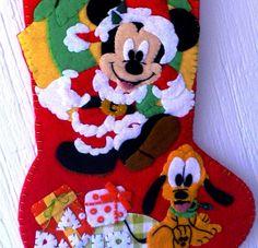 Mickey regalo navideño