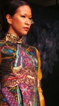 JFFF AWARDS feat Deden Siswanto @DenSiswanto 'Culturecstatic'  @JFFF_Info from my  #PathFashionReport #tenun #bali #fashion #indonesia #jfff #jf3 #dedensiswanto #appmi Bali Fashion, Balinese, Ikat, Awards, Sari, Textiles, Culture, Inspiration, Clothes