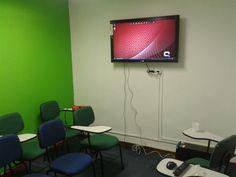 Sala Ipanema com televisor.