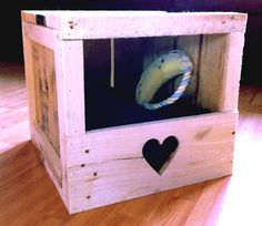 Wooden pallet cat house par Daniel Vaillancourt on Etsy