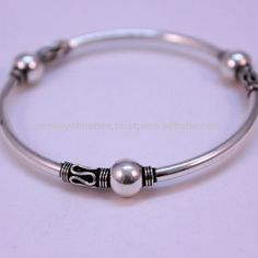 We have a wide range of traditional, modern and handmade Kada Mens Kada Online Silver Bracelet For Girls, Silver Bangle Bracelets, Silver Anklets Designs, Antique Jewellery Designs, Sterling Silver Toe Rings, Silver Jewellery Indian, Hand Jewelry, Stylish Jewelry, Silver