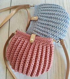 Se Gostou Clique no ❤ Siga nosso perfi Crochet Seashell Bag Pattern by Crochet For You. Bobble Stitch Handbag Crochet Pattern with Video Tutorial Crochet T-shirt PurseBest 12 Boho Crochet Bags – how to make your own OOAK bag – MotherBunch Croch Crochet Quilt, Crochet Tote, Crochet Handbags, Crochet Purses, Diy Crochet, Crochet Crafts, Diy Crafts, Crochet Designs, Crochet Patterns