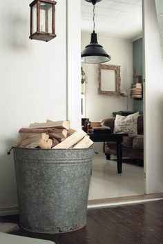 In this post You will find 10 ideas for decorative storage solutions for your firewood. Firewood Holder Indoor, Indoor Log Holder, Wood Tile Floors, Storage Baskets, Storage Ideas, Storage Solutions, Wood Beds, Wood Ceilings, Storage Design