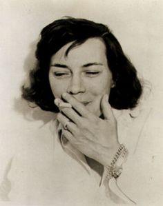 Patricia Highsmith, fue una novelista estadounidense famosa por sus obras de suspenso.
