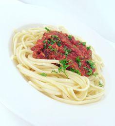 Kasvisgratiini | Mindo Bolognese, Chai, Tofu, Latte, Spaghetti, Beans, Vegetarian, Ethnic Recipes, Noodle