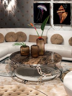 LUXURIOUS ROUND COFFEE TABLE | Luxurious coffee table design with a pattern top | Discover more coffee tables ideas: www.bocadolobo.com #moderncoffeetables #luxurycoffeetables