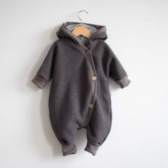 Kuschelanzug Wollwalk Erde - The most beautiful children's fashion products Twin Outfits, Baby Outfits Newborn, Baby Boy Newborn, Baby Boy Outfits, Baby Kids, Kids Outfits, Fashion Kids, Toddler Boy Fashion, Little Boy Fashion