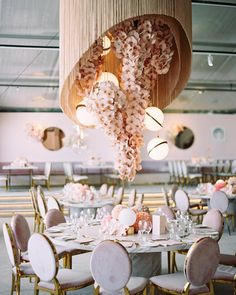 wedding present ideas diy Flower Installation, Ceiling Installation, Wedding Trends, Wedding Designs, Elegant Wedding, Diy Wedding, Wedding Ideas, Spring Wedding, Wedding Reception Decorations