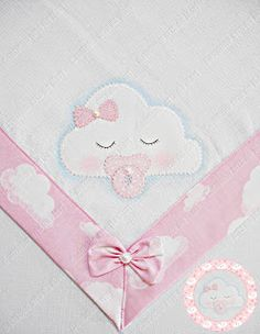 Diy Crafts - super ideas for patchwork quilt baby girl sew Quilt Baby, Baby Patchwork Quilt, Baby Turban, Halloween Kids Party, Hand Embroidery, Embroidery Designs, Baby Sheets, Heirloom Sewing, Baby Sewing