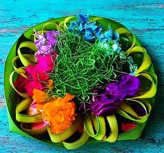 Balinese blessings also known as bantan's. Lovely bright baskets og joy gratitude and bliss #not #gratitude #bliss #blessings #Bali #colorful #invigoratedliving