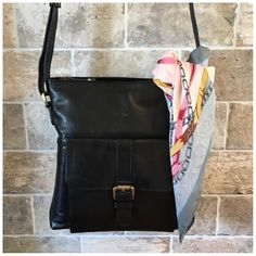 Must have!👜❤️