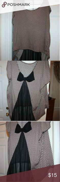 Cute plus size Julie's Closet polka dot bow top 2x Gently used nude/black cute plus size polka dot top with sheer chiffon bow accent size 2x. Julies closet Tops Blouses