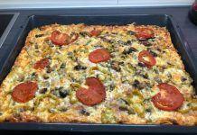 Εκπληκτική ζύμη για την πιο σπέσιαλ πίτσα Calzone, Greek Recipes, Hawaiian Pizza, Pepperoni, Vegetable Pizza, Deserts, Vegetables, Cooking, Food
