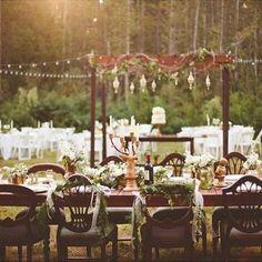Si me volviera a casar no dudaría en escoger algo personal y que hablara de mi Foto @kellymaughanphotography edited @redleafstudios Fotografo de bodas indie - blancasecasa.com  #weddingphotography #weddingdress #wedding #dancing #couple #bride #love #holiday #groom #blogger #blogbodas #blognovias #boda #bodas #novias #mecaso #noscasamos #instabodas #siquiero #vestidosnovia #blancasecasa