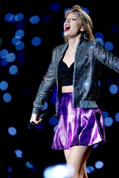 Taylor Swift performing Welcome to New York in Louisville, Kentucky on 6/02/15
