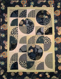 Patchwork Quilt navy and beige Japanese by kallistiquilts on Etsy Japanese Quilt Patterns, Japanese Textiles, Japanese Fabric, Blue Quilts, Scrappy Quilts, Drunkards Path Quilt, Black And White Quilts, Black White, Asian Quilts