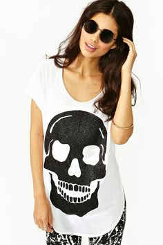 Glitter Skull Tee in Clothes Tops at Nasty Gal