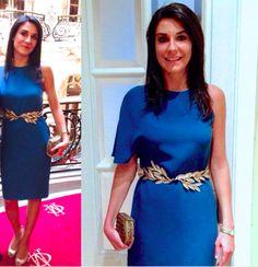 Ana con vestido asimétrico de Angel Schlesser y cinturón con hojas doradas de Dresseos - Alquiler de vestidos y accesorios - Dresseos