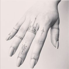 Finger Tattoos, Tattoo Art, Acrylic Nails, Beauty Ideas, Tattoo Inspiration, Tattos, Piercing, Dragons, Body Art