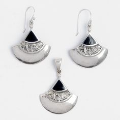 Set cercei și pandantiv Raya, argint și onix negru, Indonezia  #metaphora #jewellery #jewelryset #silver #earrings #onyx #blackonyx #india