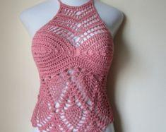 Fabulous Crochet a Little Black Crochet Dress Ideas. Georgeous Crochet a Little Black Crochet Dress Ideas. Crochet T Shirts, Crochet Halter Tops, Crochet Bikini Top, Crochet Tunic, Crochet Yarn, Crochet Clothes, Knit Crochet, Black Crochet Dress, Crochet Woman