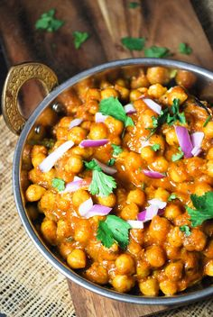 Chole - Indian Chickpea Curry. Perfect to eat with bhatura, naan, roti, or rice.