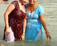 Hot Sizzling Indian Aunties Girls Frent Beauty show