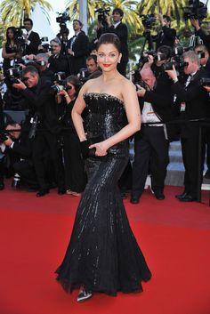 Aishwarya Rai Cannes, Actress Aishwarya Rai, Aishwarya Rai Bachchan, Bollywood Actress, Beautiful Indian Actress, Beautiful Actresses, Glamour World, Palais Des Festivals, Indian Models