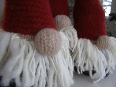 Halager: Strikkede nisser i fritidsgarn Threading