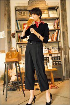【今日のコーデ/佐藤栞里】大人見えしたい木曜日はオールブラックで素敵に!   ファッション(コーディネート・流行)   DAILY MORE