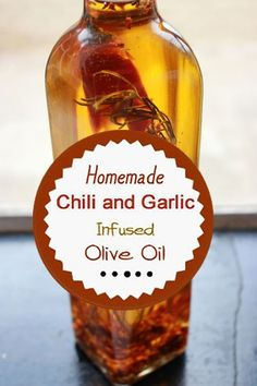olive oils DIY chili and garlic homemade infused olive oil. Garlic Infused Olive Oil, Flavored Olive Oil, Flavored Oils, Infused Oils, Homemade Spices, Homemade Seasonings, Homemade Chili, Garlic Oil Recipe, Spicy Oil Recipe
