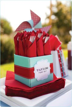 Red and Aqua Party - Utensil Display Aqua Party, Baby Birthday, 21st Birthday, Birthday Parties, Ideias Diy, Deco Table, Party Entertainment, Grad Parties, Anniversary Parties