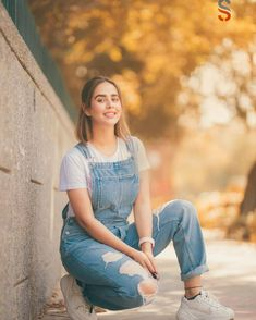Girls Fashion Clothes, Girl Fashion, Fashion Outfits, Girl Pictures, Girl Photos, Cute Pictures, Embroidery Suits Punjabi, Indian Gowns Dresses, Stylish Girls Photos
