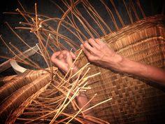 Elaboración de sillas de Mimbre por los artesanos del Pueblo Magico de Tapijulapa